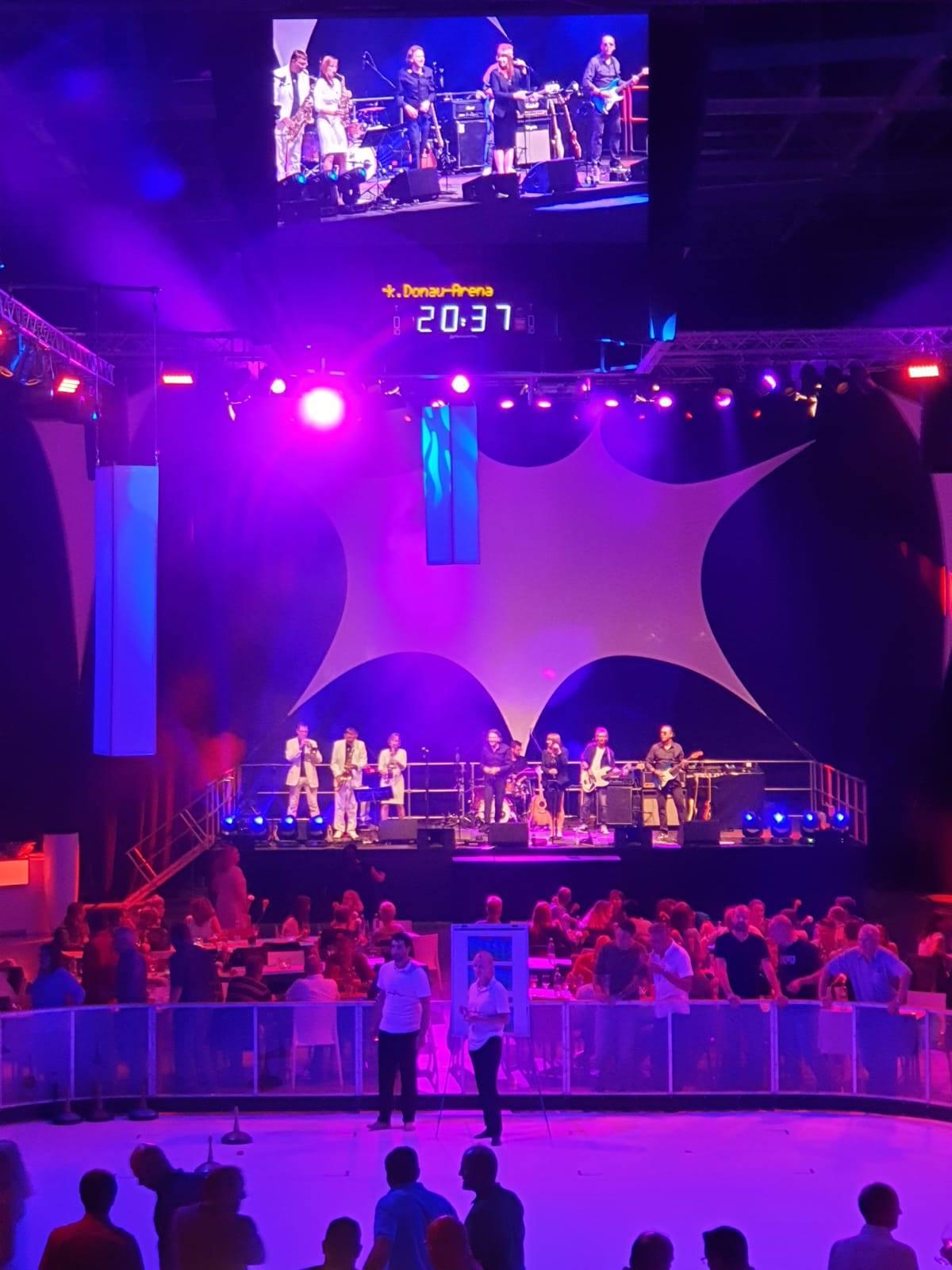 MJN rockt die Donau Arena